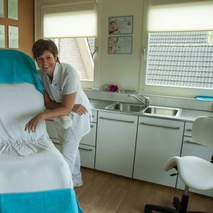 Beauty & Pedicure Salon Karin Blokker image 1