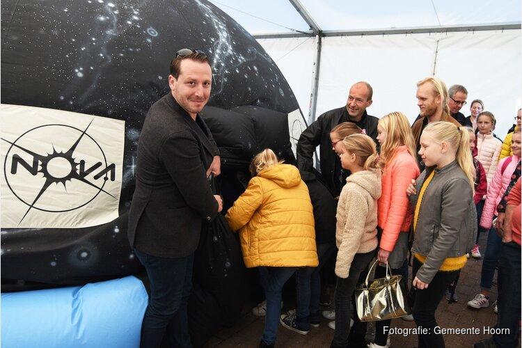 200 kinderen uit Hoorn maken ruimtereis