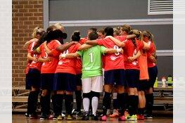 Vrouwen Hovocubo winnen na bizarre ontknoping in Zwolle