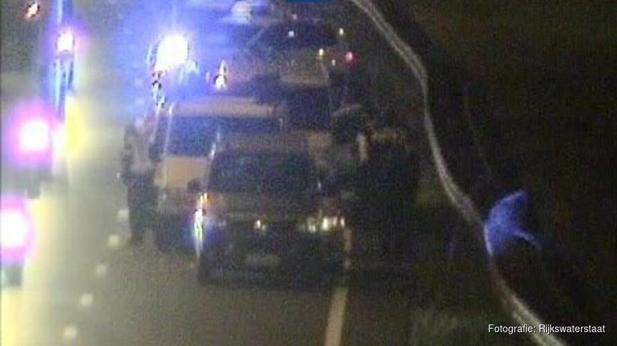 Vroege files bij Hoorn door ongeluk met zeven auto's op A7