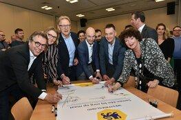 Zorgaanbieders ondertekenen contract nieuwe werkwijze 2020