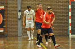 Hovocubo bereikt finale play-offs