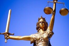 Man (30) uit Hoorn krijgt twee jaar gevangenisstraf voor neersteken supermarktmedewerkster