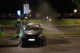 Auto met buitenlands kenteken in brand