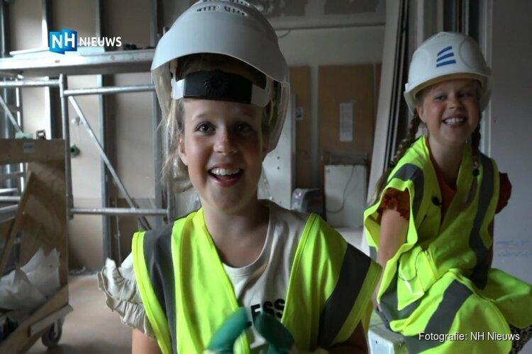 Tweeling (8) vlogt geld voor verbouwing van kinderafdeling Dijklander Ziekenhuis bij elkaar