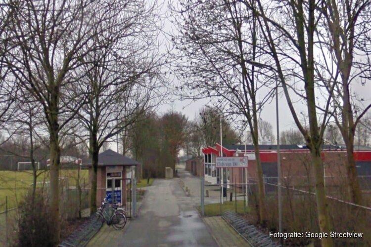 """Scheidsrechter neergeslagen na Westfriese derby: """"Weet niet wat er in zijn hoofd omging"""""""