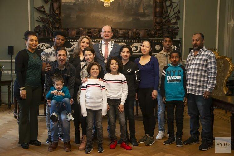 Inhuldiging 19 nieuwe Nederlanders in Hoorn