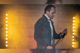 Bryan Stricker staat op 25 maart in het theater met liveband