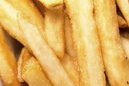 Las Fritas deelt gratis friet uit aan alle personeelsleden van het Dijklander Ziekenhuis in Hoorn