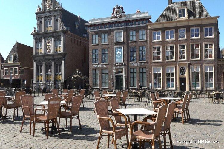 """Gemeente Hoorn komt horeca tegemoet: """"We staan open voor grotere terrassen"""""""