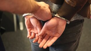 Drie zestienjarigen in gestolen SUV