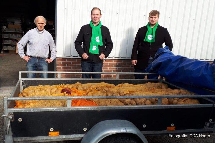 CDA Hoorn levert 500 kilo piepers aan voedselbank in kader Wereldvoedseldag