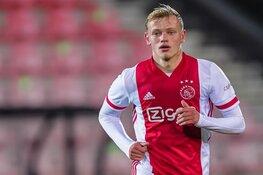 Ajax contracteert Max de Waal