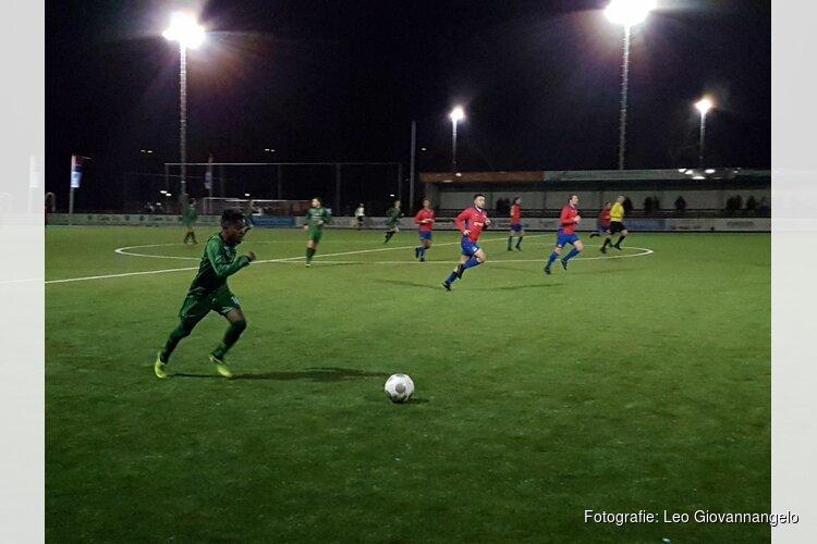 Hollandia strandt na strafschoppen in bekertoernooi