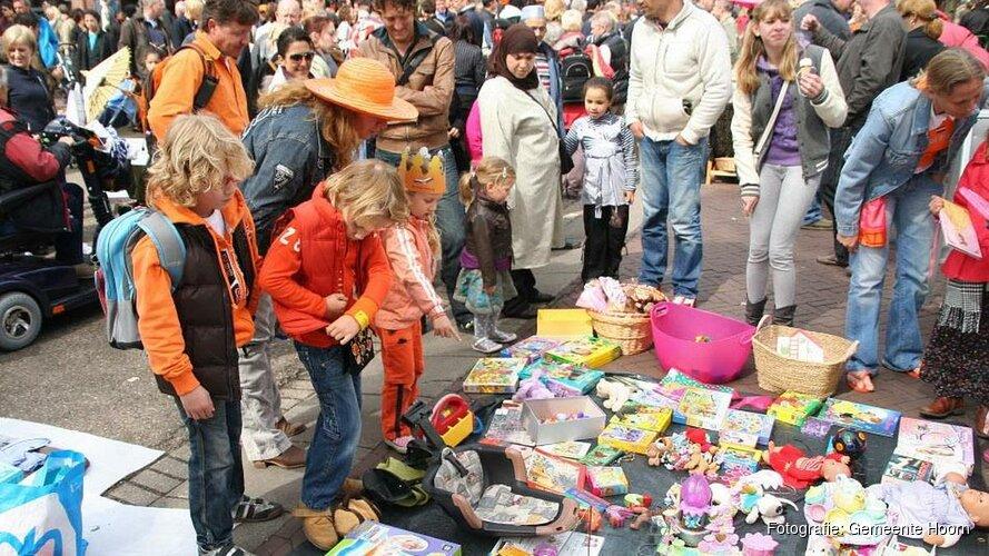 Vier Koningsdag in Hoorn, Blokker en Zwaag
