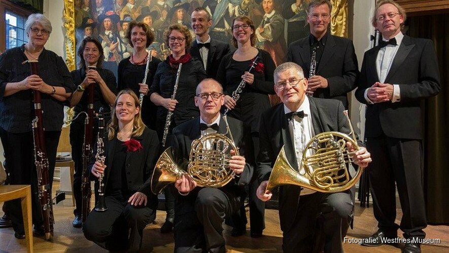 Ensemble Excelsior in schutterijzaal Westfries  Museum